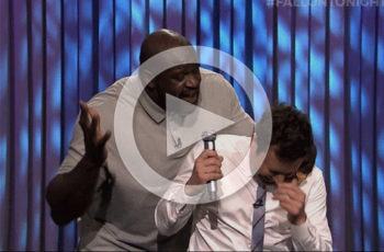 Shaquille O' Neal in a hilarious lip sync battle.